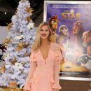 Joy Corrigan – 'The Star' Premiere in Los Angeles - 454 x 786