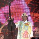 Carlos Santana - 454 x 651