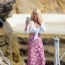 Victoria Silvstedt at Hotel du Cap in Antibes - 454 x 636