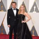 Leonardo DiCaprio and Kate Winslet At The 88th Annual Academy Awards (2016) - Arrivals - 454 x 599