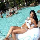 Rima Fakih: Swimsuit Vixen in Vegas!