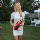 Hannah Ferguson Hamptons Magazine Celebrates Cover Star in New York - 454 x 682