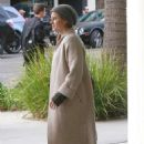 Amy Adams – Last Christmas shopping in Beverly Hills