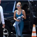 Jennifer Lopez in Blue Gym Outfit – Outside a gym in Miami - 454 x 633