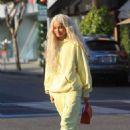 Pia Mia Perez in Yellow at Il Pastaio in Beverly Hills - 454 x 681