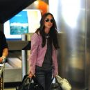 Jennifer Love Hewitt And Jamie Kennedy At LAX Airport, 2009-04-20