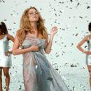 Da Brat, Mariah Carey and Tia Texada in 20th Century Fox's Glitter - 2001