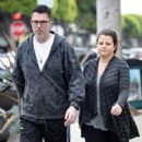 Yasmine Bleeth was spotted in Hollywood on Saturday 2/7, in sneakers and work-out pants taking a stroll with her husband, Paul Cerrito - 454 x 528