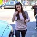Kim Kardashian's Pre-Shopping Backside Check