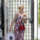 Elizabeth Banks in Long Dress at Alfred's coffee in Los Angeles - 454 x 681