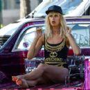 Karolina Kurkova on a photoshoot in Miami - 454 x 367