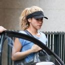 Shakira Visits An Aesthetic Center In Barcelona