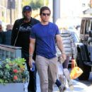 Mark Wahlberg runs errands in Beverly Hills on March 8, 2016 - 454 x 596