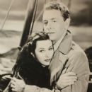 Hedy Lamarr and Paul Henreid - 454 x 558