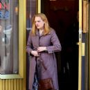 Elisabeth Moss – Filming 'The Kitchen' in New York - 454 x 670