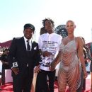 Amber Rose and Wiz Khalifa attend the 2014 MTV Video Music Awards at The Forum in Inglewood, California - August 24, 2014 - 383 x 594