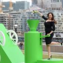 Kelly Brook – Pringles Flavour Cloud Promo in London - 454 x 325