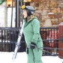Kate Hudson – On the slopes in Aspen - 454 x 681
