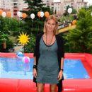 Pinar Altug : Garnier Ambre Solaire Garden Party