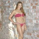 Amanda Righetti PS for Us Weekly magazine September 2013 - 454 x 681
