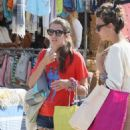 Charlotte Casiraghi – Shopping on the market in Cap-Ferret - 454 x 692