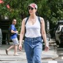 Sarah Silverman – Out for a stroll in New York - 454 x 680