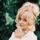 Goldie Hawn - 454 x 564