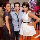 Ariana Grande and Nathan Kress - 454 x 362