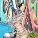 Katy Perry – Photoshoot in Miami - 454 x 660