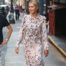 Kelly Rutherford in Long Dress – Out in New York