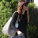 Jessica Biel out in Studio City - 454 x 682