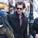 Andrew Garfield greets a fan as he leaves a downtown hotel in New York City, New York on January 10, 2017 - 415 x 600