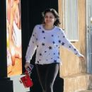 Ariel Winter – Visit a nail salon in Studio City