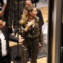 Gisele Bundchen – Arrives at Rosa Cha Event in Los Angeles - 454 x 665