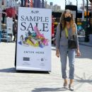 Sarah Jessica Parker – Posing at The SJP Collection Sample Sale In NYC