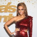 Tyra Banks – 'America's Got Talent' Season 13 in Los Angeles - 454 x 680