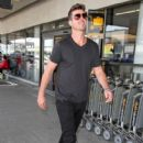 Robin Thicke is seen at LAX - 404 x 600