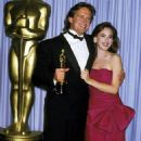 Michael  Douglas and Marlee Matlin - The 60th Annual Academy Awards (1988) - 454 x 607