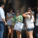 Hayden Panettiere Spends The Day With Family And Friends 2007-08-11