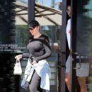 Khloe Kardashian – Grabbing lunch in Los Angeles