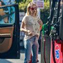 Emma Roberts at a gas station in Los Feliz - 454 x 681