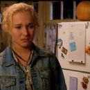 Hayden Panettiere as Channing Walsh in Racing Stripes - 454 x 255