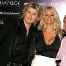 Pamela Anderson - With Hans Klok - Planet Hollywood, Las Vegas, April, 26 2007