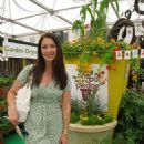 "Rachel de Thame supporting the ""One Pot Pledge"" campaign."