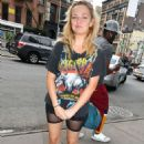 Emily Meade – Spotted around town in downtown Manhattan - 454 x 691
