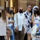 Jennifer Lopez – Shopping candids on Rodeo Drive in Beverly Hills - 454 x 636