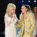 Dolly Parton and Miley Cyrus At The 61st Annual Grammy Awards - 424 x 600