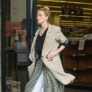 Amber Heard – Shopping with her dad in Los Feliz