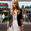 Alex Curran - 350 x 732