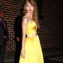 Taylor Swift Leaving Letterman Show 10/26/2010